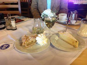 APFEL KUCHEN MIT SAHNE AND CHEESE CAKE