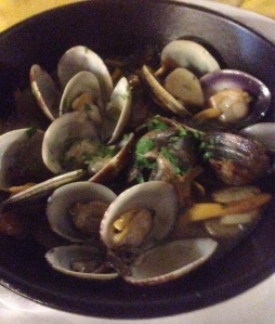 Clams with chanterelle