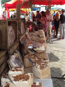 Market stand with Nougat